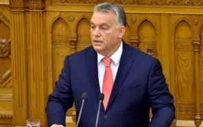 Orbán: A brüsszeli bürokraták Soros tenyeréből esznek