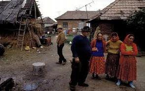 Ön szerint hogy lehetne megoldani a magyarországi romák helyzetét?